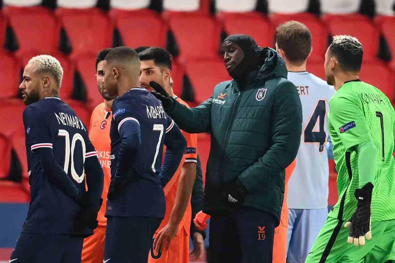Champions, Psg-Basaksehir sospesa per frase razzista del quarto uomo
