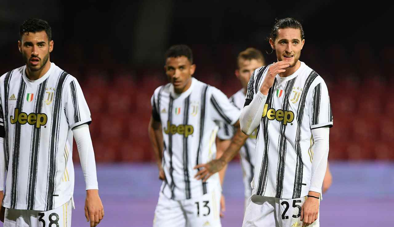 La Juve fa scontare la squalifica a Rabiot contro la Fiorentina