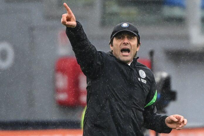 Inter, tifosi furiosi con Antonio Conte