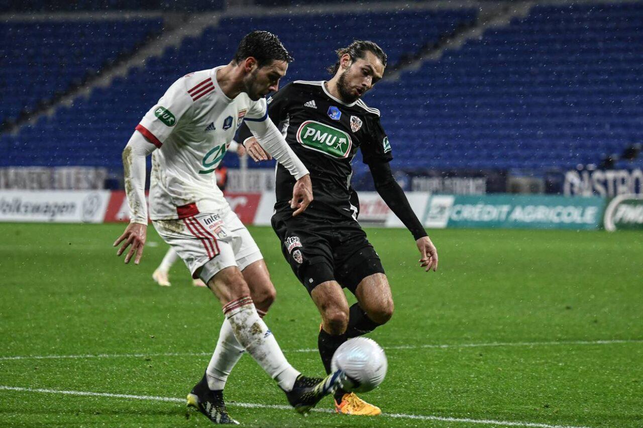Calciomercato Juventus, Branchini sul futuro di De Sciglio e Douglas Costa