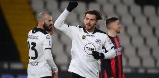 Bastoni pagelle Spezia Milan
