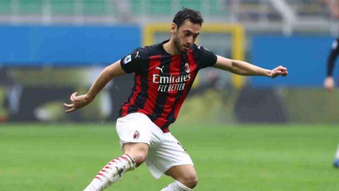 Calciomercato Milan rinnovo Calhanoglu
