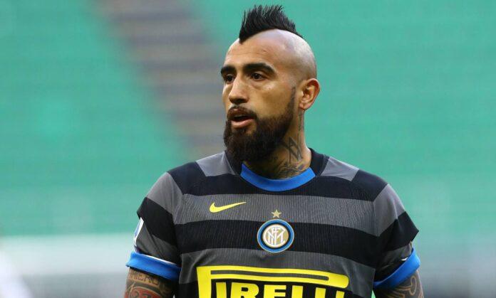 Calciomercato, l'agente di Vidal: