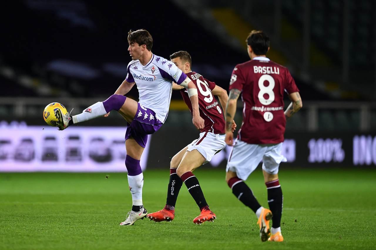 Calciomercato, Vlahovic allontana il rinnovo | Milan e Roma pronte