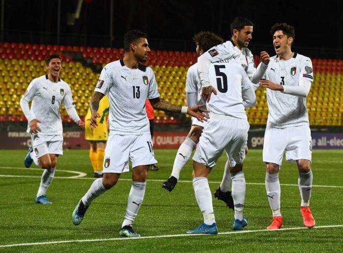 Qualificazioni Mondiali, Lituania-Italia 0-2: tre vittore consecutive per Mancini
