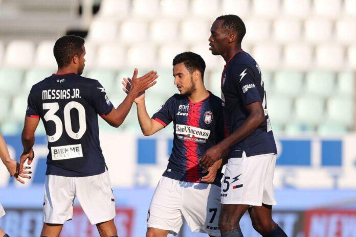 Serie A, Parma-Crotone 3-4: rossoblù sempre nel segno di Simy!