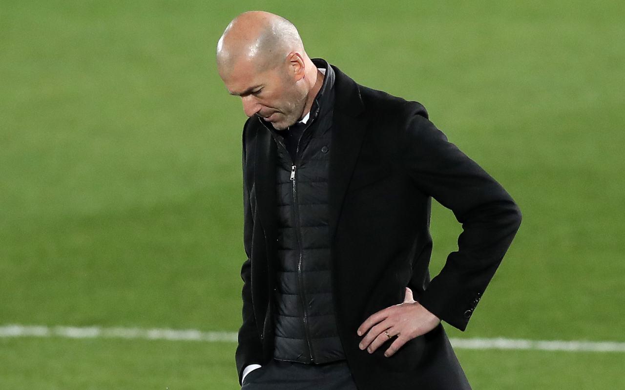 Real Madrid-Liverpool, tegola per Zidane | Varane positivo al Covid-19