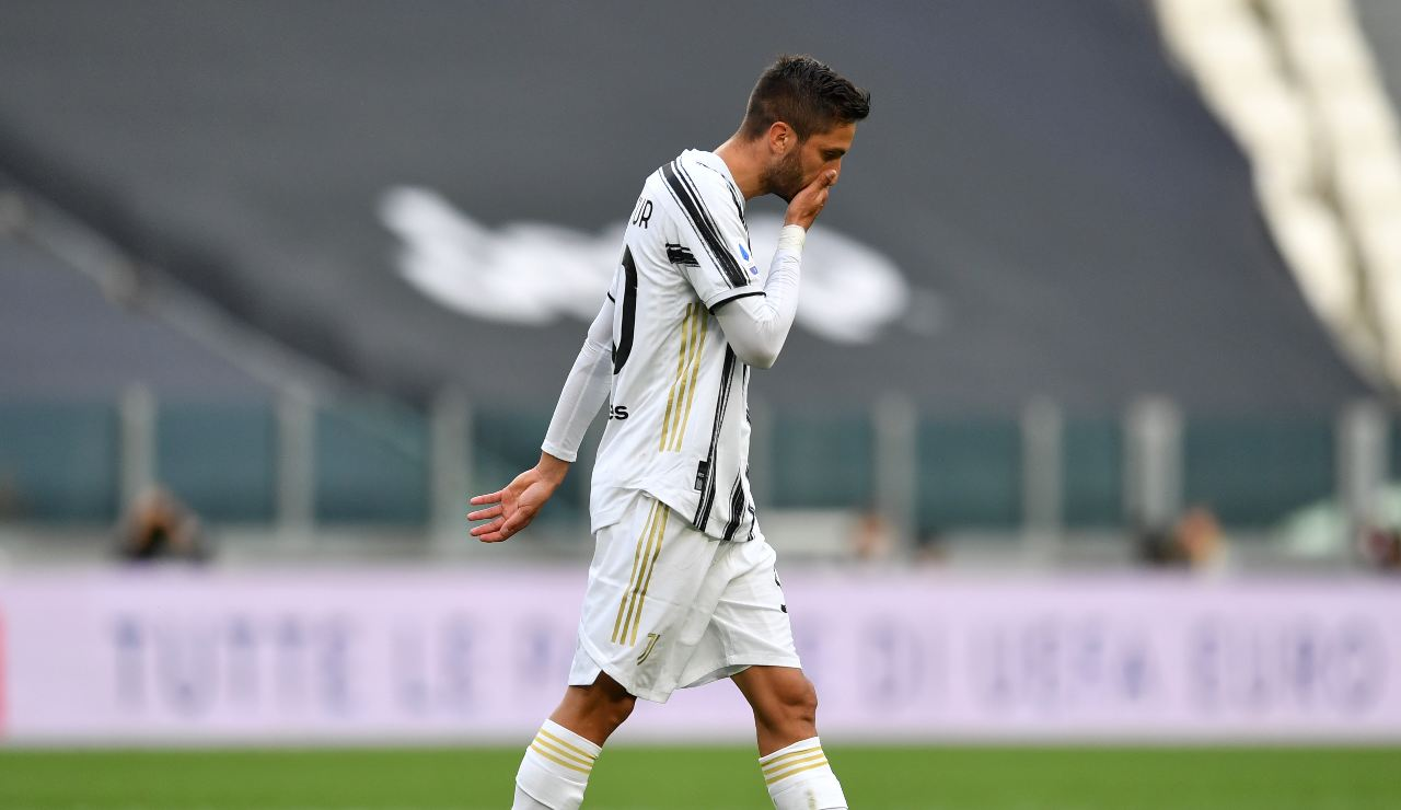 Juventus-Inter, espulsione Bentancur | Il gesto di Calvarese