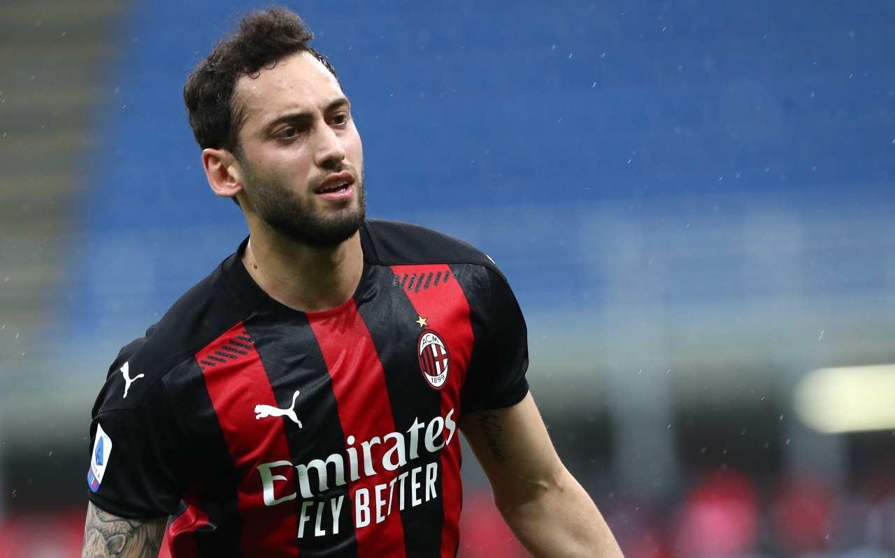Calciomercato Milan, niente Juventus: nuova offerta per Calhanoglu