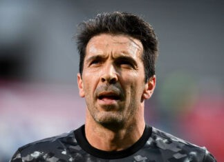 Gianluigi Buffon Parma firma