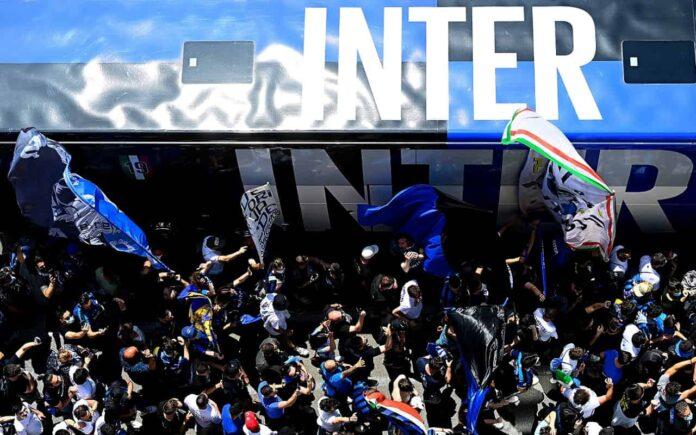 Calciomercato Inter, tifosi vs Kolarov