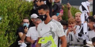 VIDEO CMIT   Juventus, Ronaldo al J-Medical: entusiasmo dei tifosi
