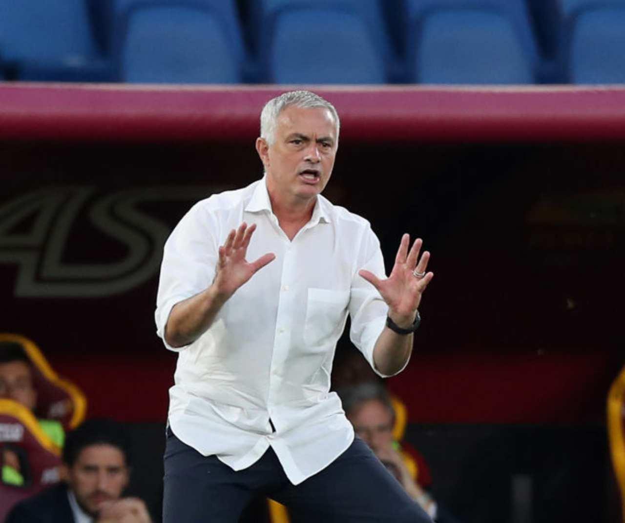 Roma, Mourinho furioso