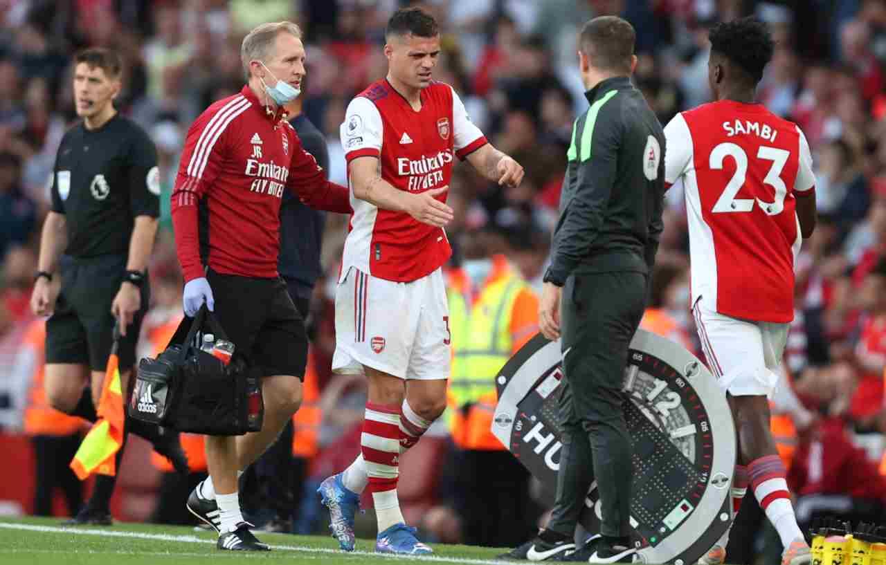 L'Arsenal perde Xhaka, infortunio e lungo stop per lo svizzero