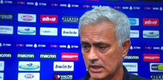 """Lazio-Roma, Mourinho stizzito: """"L'arbitro è stato decisivo"""""""